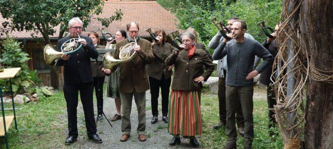 """Schulwaldfest Oberursel: Lernort-Natur (""""LON"""") und Bläser des JV Hubertus Bad Homburg"""